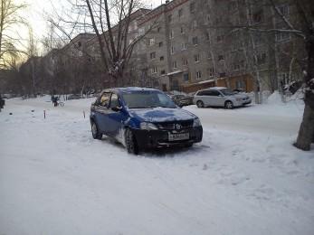 Автомобили изрук в руки Renault Logan Дегтярск