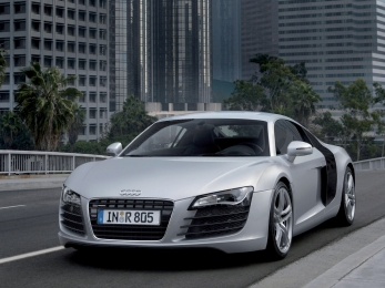 Авто изрук вруки Audi R8 Екатеринбург